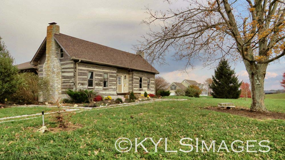 C 1796 Historic Log Cabin On 15 Acres For Sale In Kentucky
