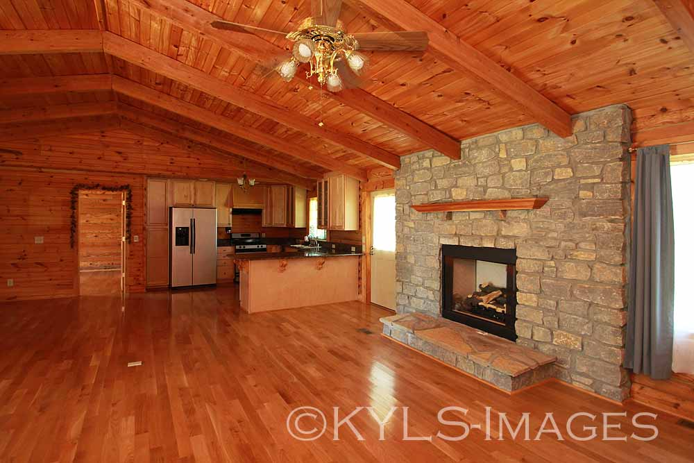 harrodsburg kentucky log home 6 acres house for sale