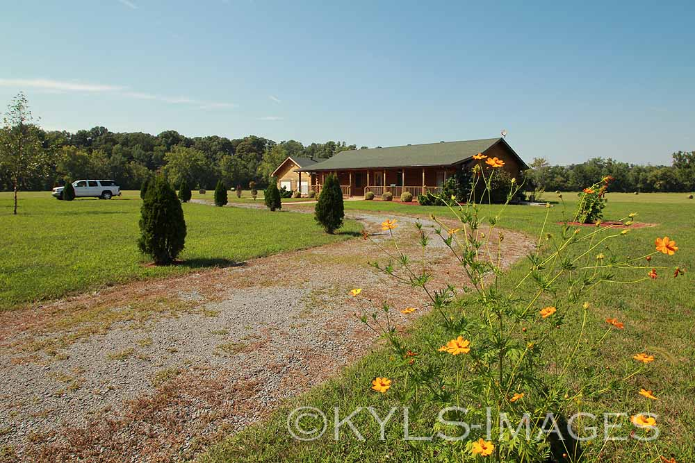 Harrodsburg, Kentucky Log Home, 6 acres house for sale ...